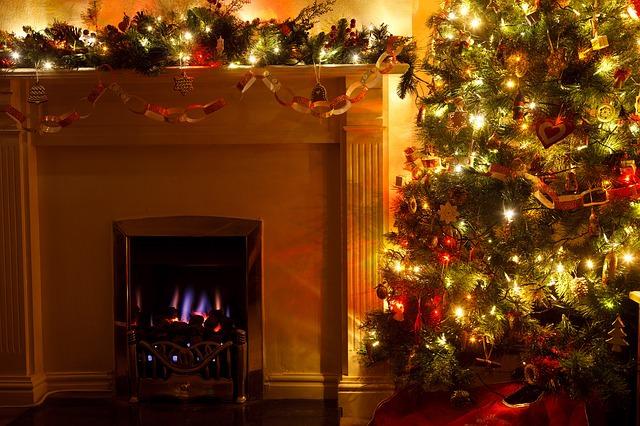 大型のクリスマスツリー