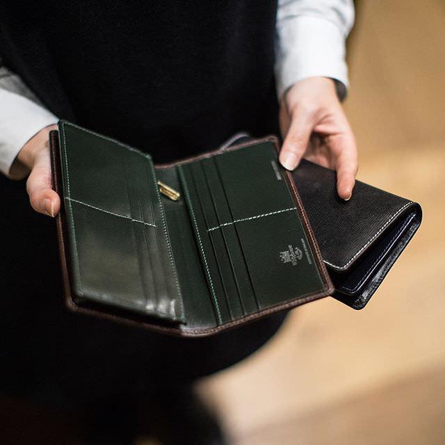 ホワイトハウスコックス 二つ折り長財布