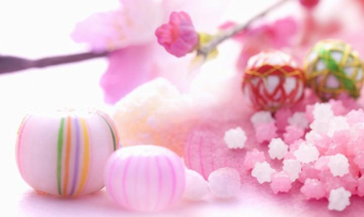雛祭りや桃の節句のお祝い、雛人形を贈る時期は?お返しは必要?