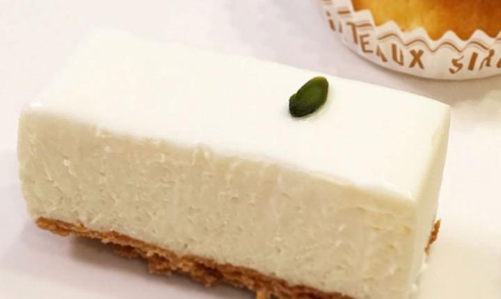絶大な人気を誇る「しろたえ」レアチーズケーキは手土産にも