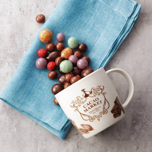 マグカップ入りチョコレートボール