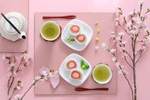 いちご大福 桜の花 ティータイム