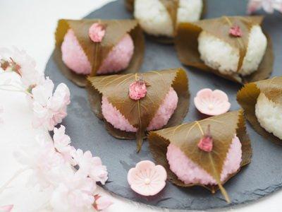 かわいい2色の桜餅