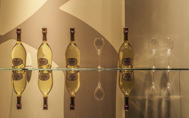 世界最高峰のシャンパン,ルイナール