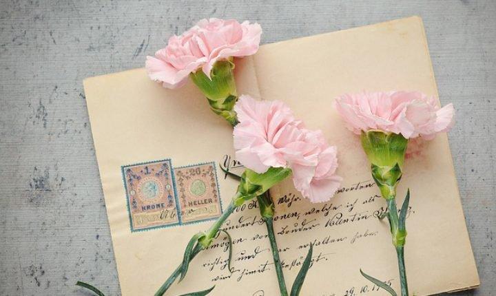 長寿のお祝い【還暦・古稀・喜寿・米寿】祝い方や相場を解説