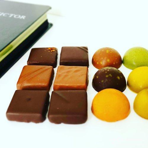 ユーゴ・アンド・ヴィクトール,チョコレート