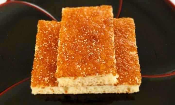 亀屋陸奥の「松風」、幾百年にわたり愛される銘菓をお土産に