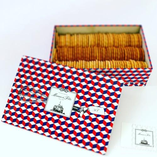 マモン・エ・フィーユのビスキュイスペシャル缶