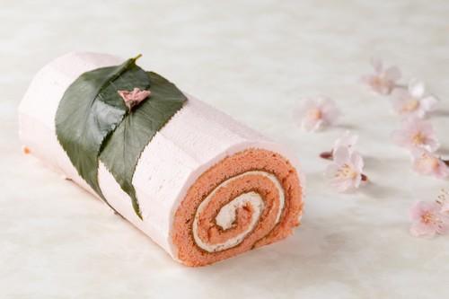 グランド ハイアット 東京の桜ロールケーキ
