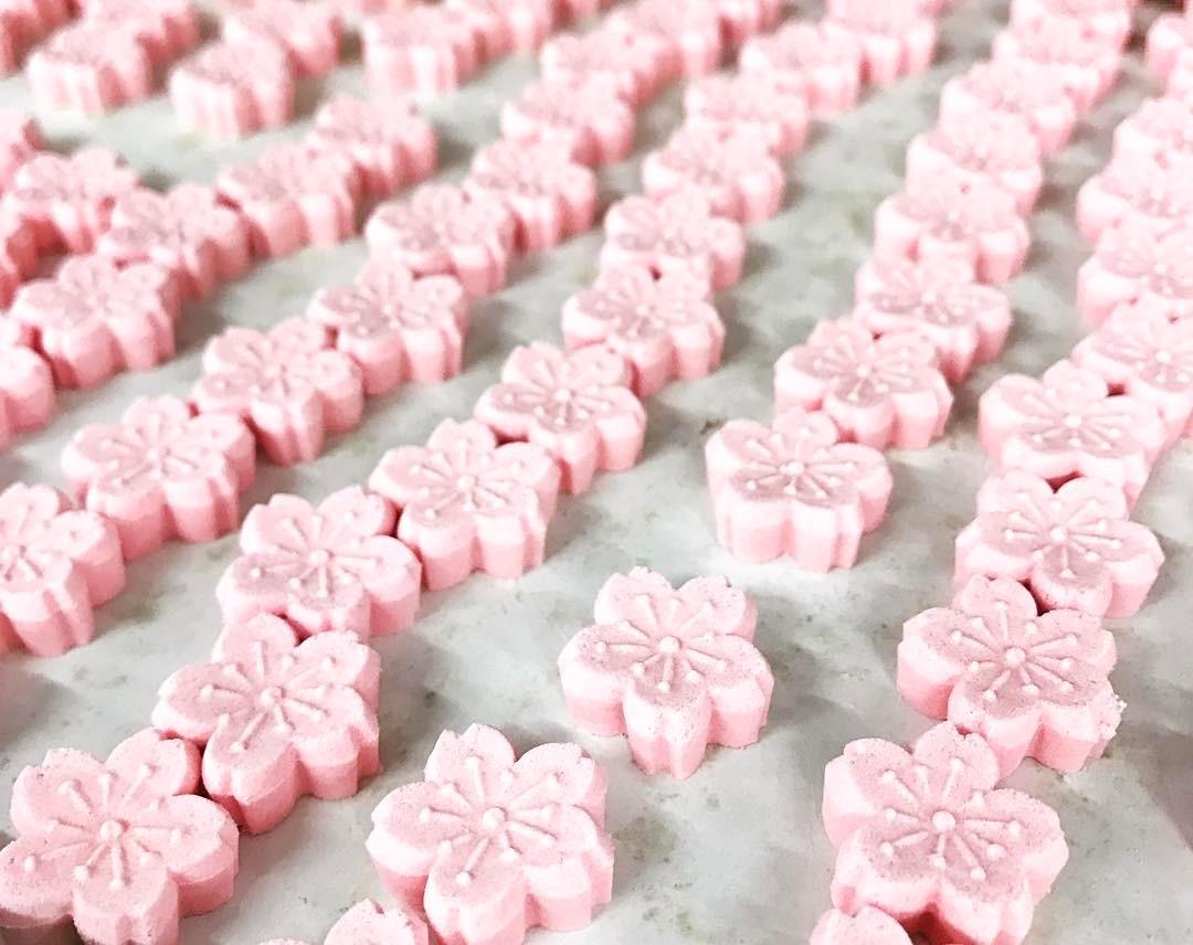 ばいこう堂の桜のお干菓子