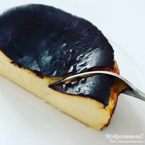 カオリーヌ菓子店のバスクのチーズケーキ