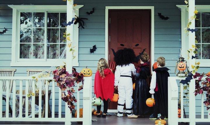 ハロウィンの起源や由来、カボチャの提灯の意味や仮装の理由は?
