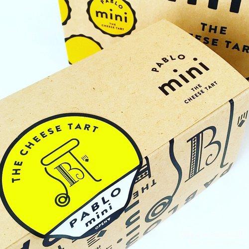 パブロのチーズケーキの箱