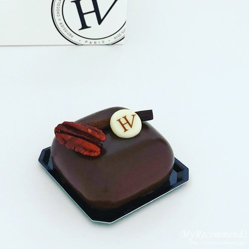 ユーゴ アンド ヴィクトールのチョコレートケーキ